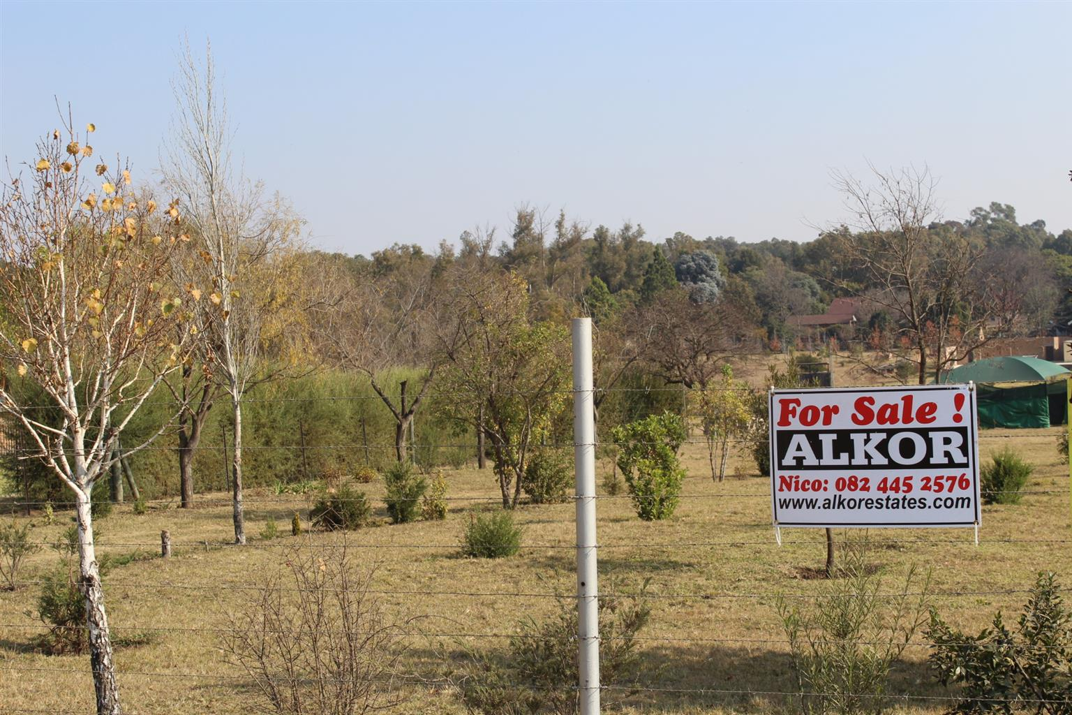 BENONI- MARISTER-TOP ARE-FINEST  VACANT ESTATE OF 1,9 Ha-BOREHOLE-3 PHASE-IRRIGATION ALL ROUND-STREAM