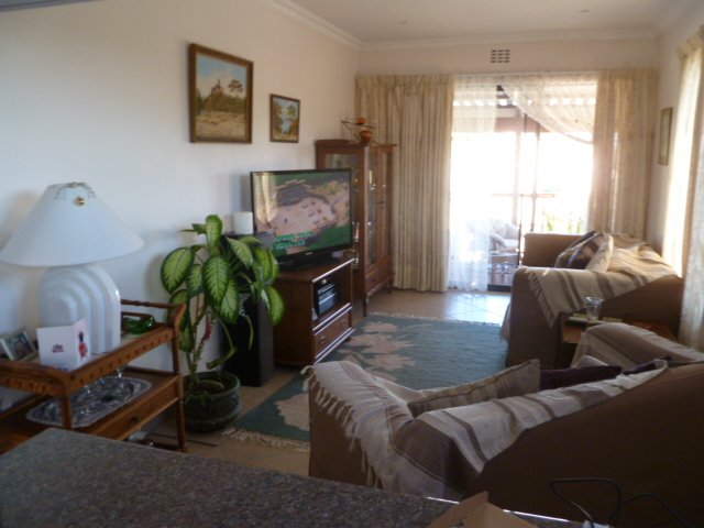 BONZA BAY -Lovely Upmarket Penthouse Apartment Holiday Home""