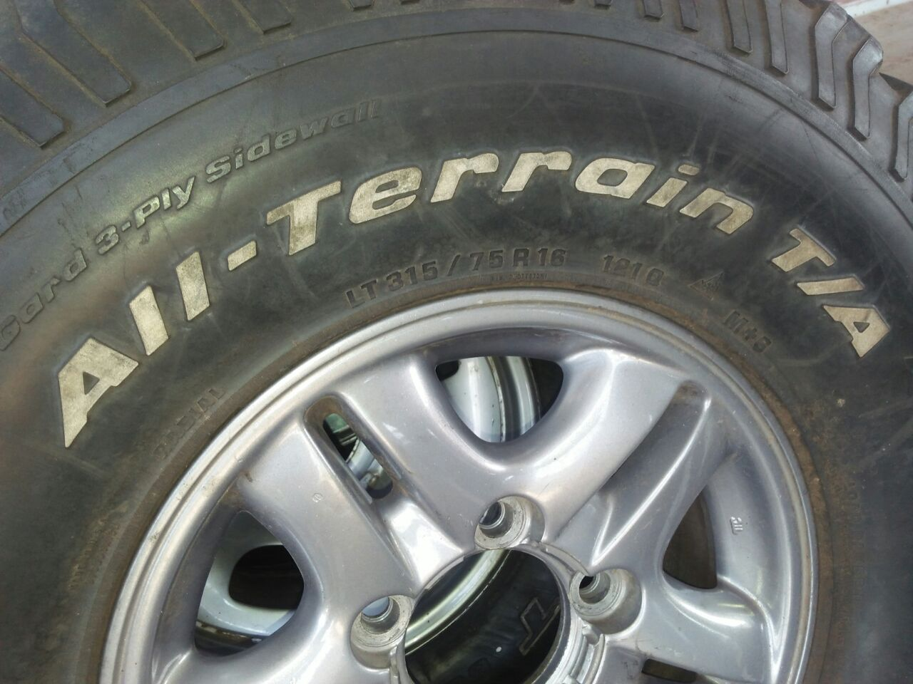 """Bf Goodrich 315/75R16"""" Rims and tyres"""
