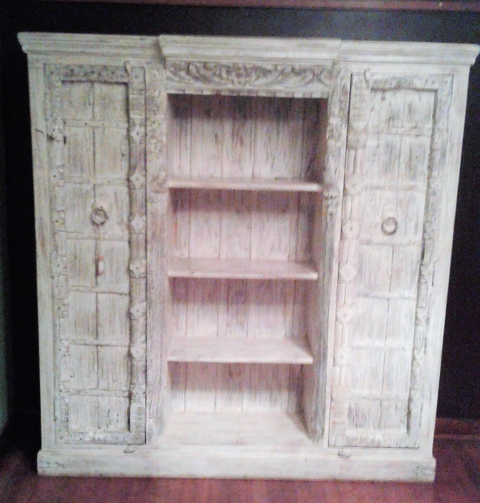 Home Decor/ Solid Wood White Cabinet