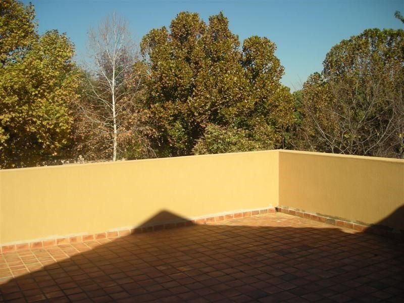 Upstairs cottage with modern finishes in Bryanston