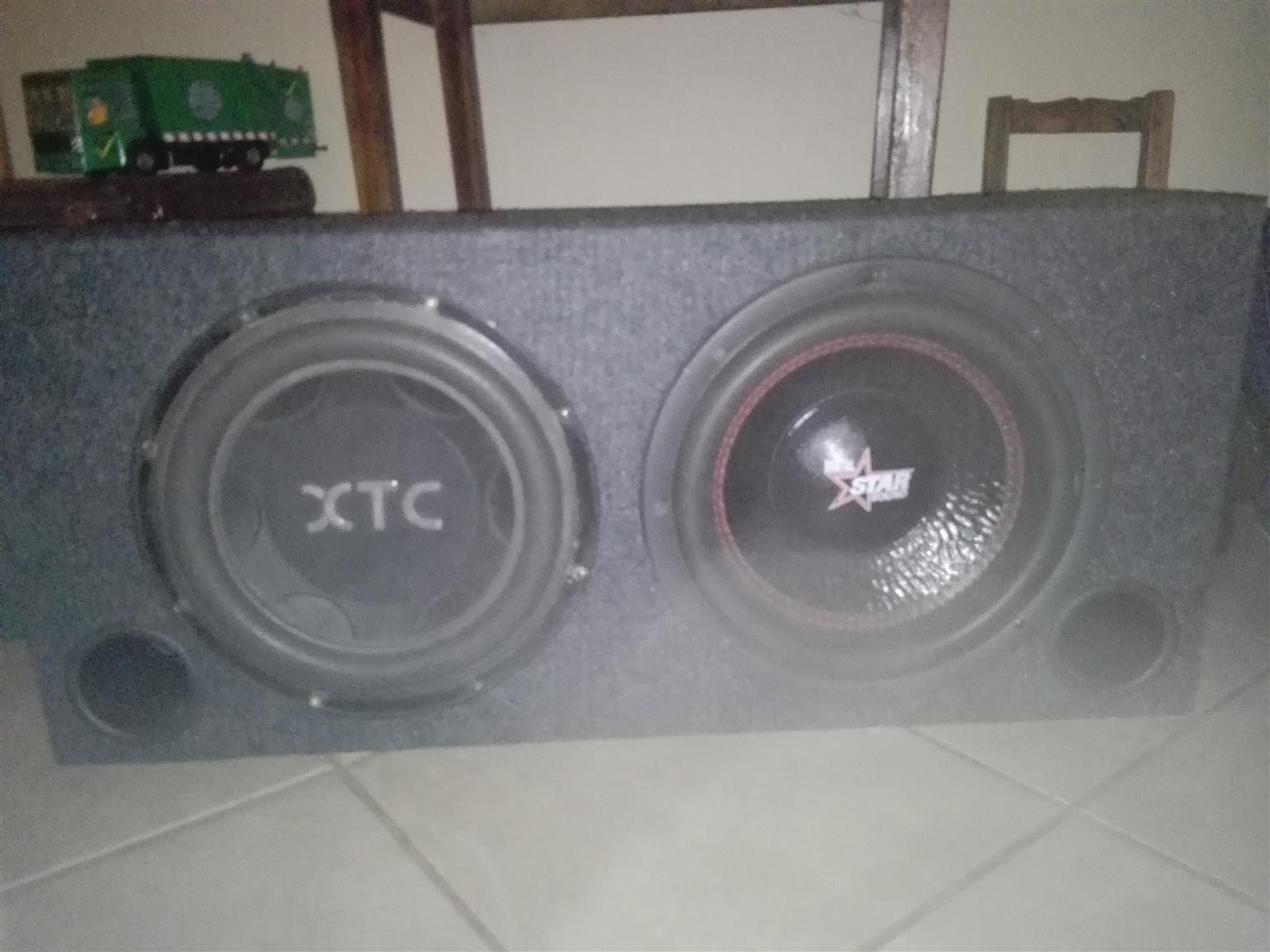 Car Sound 2 Subs And 2 Amps