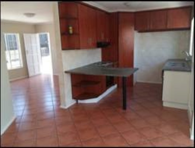 Olievenhoutbos ext 4 a 3 bedroom house 2 bathrooms lounge dining room kitchen and garage a must to see