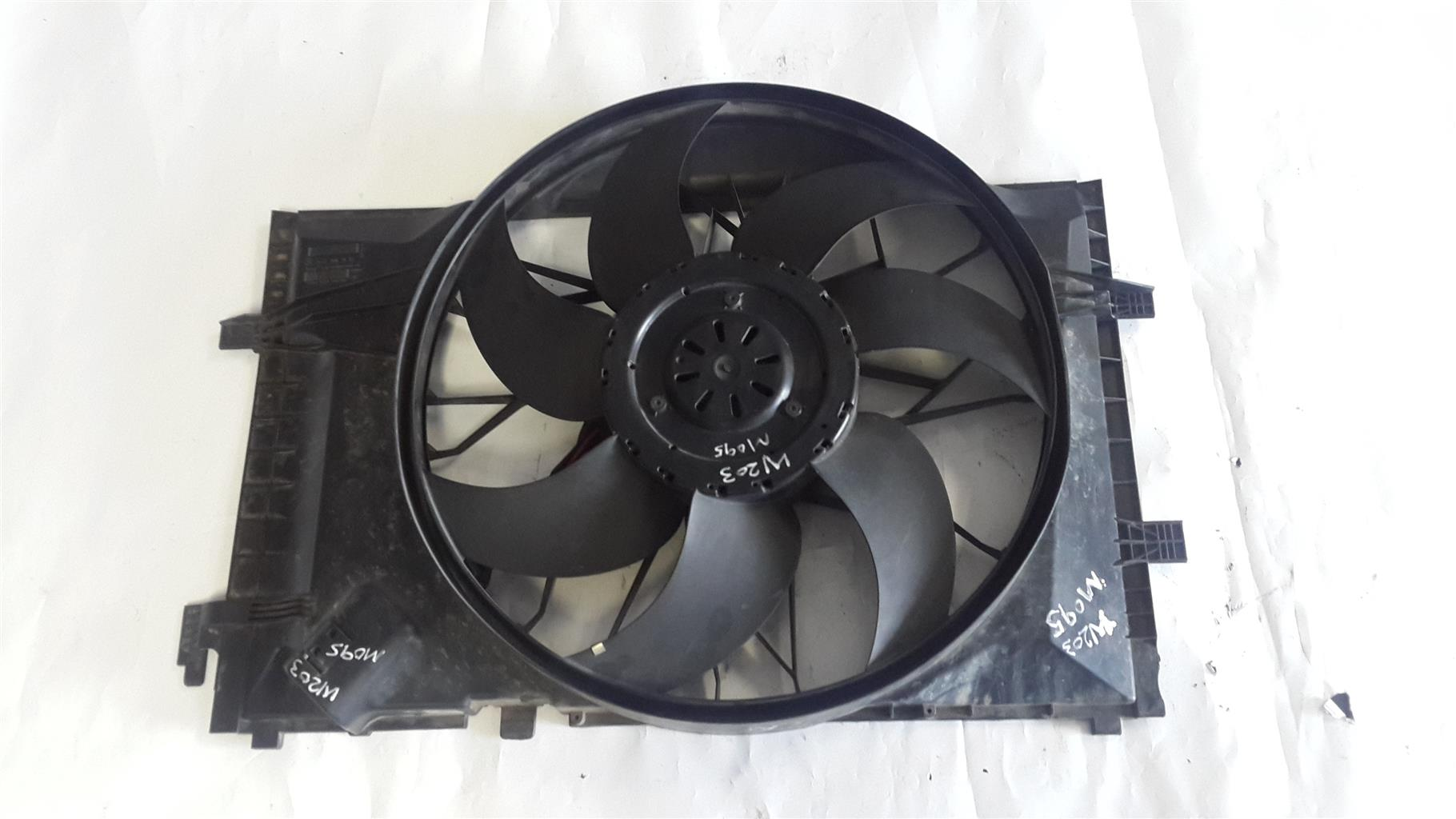 W203 ENGINE FAN C200