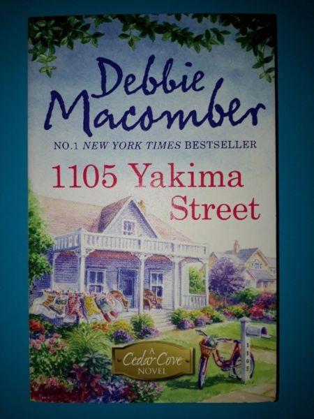 (NEW BOOK) 1105 Yakima Street - Debbie Macomber - Cedar Cove #11.