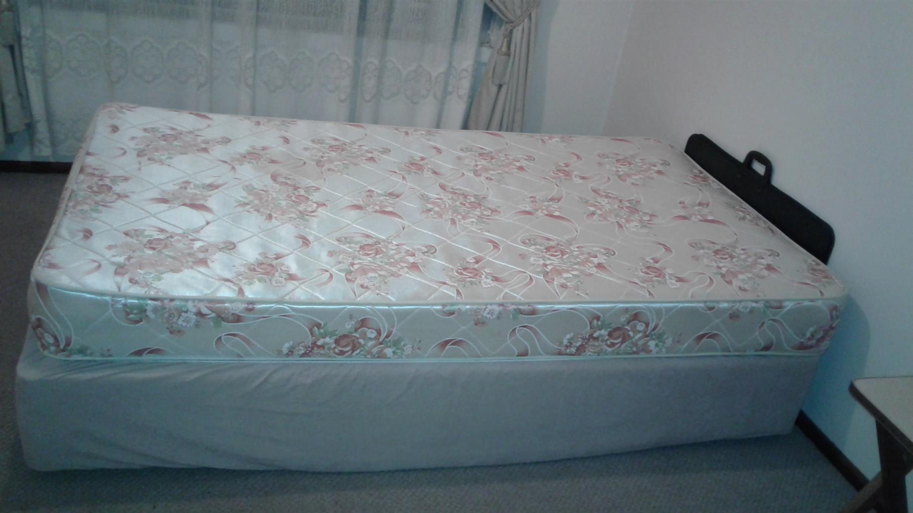 Single Bed (Base and Mattress)