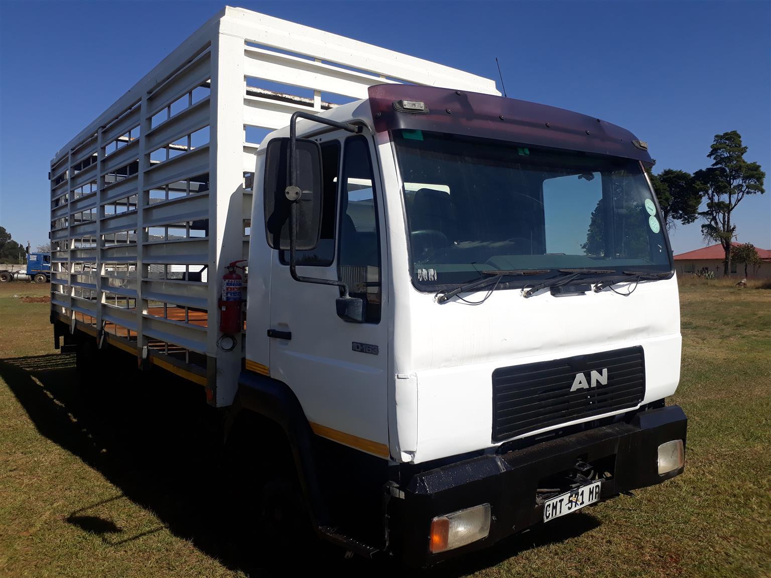 Man 10-136 cattle truck,5 ton