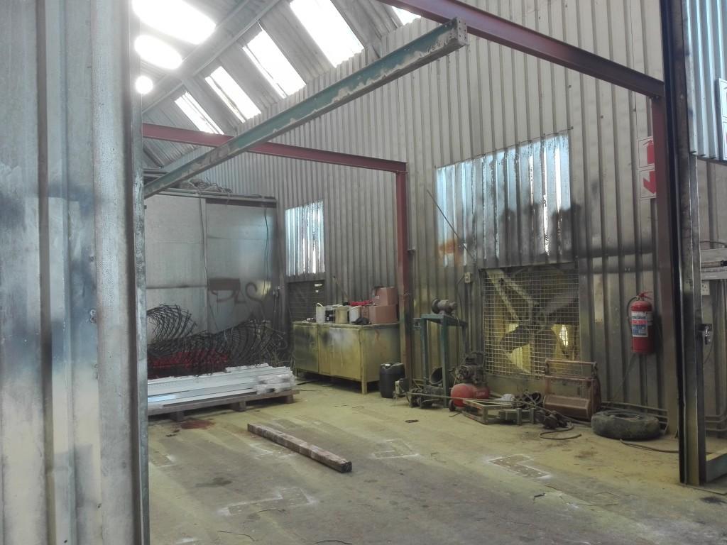 Spray booth : 7 m x 4.5 m : Blackheath , To Let