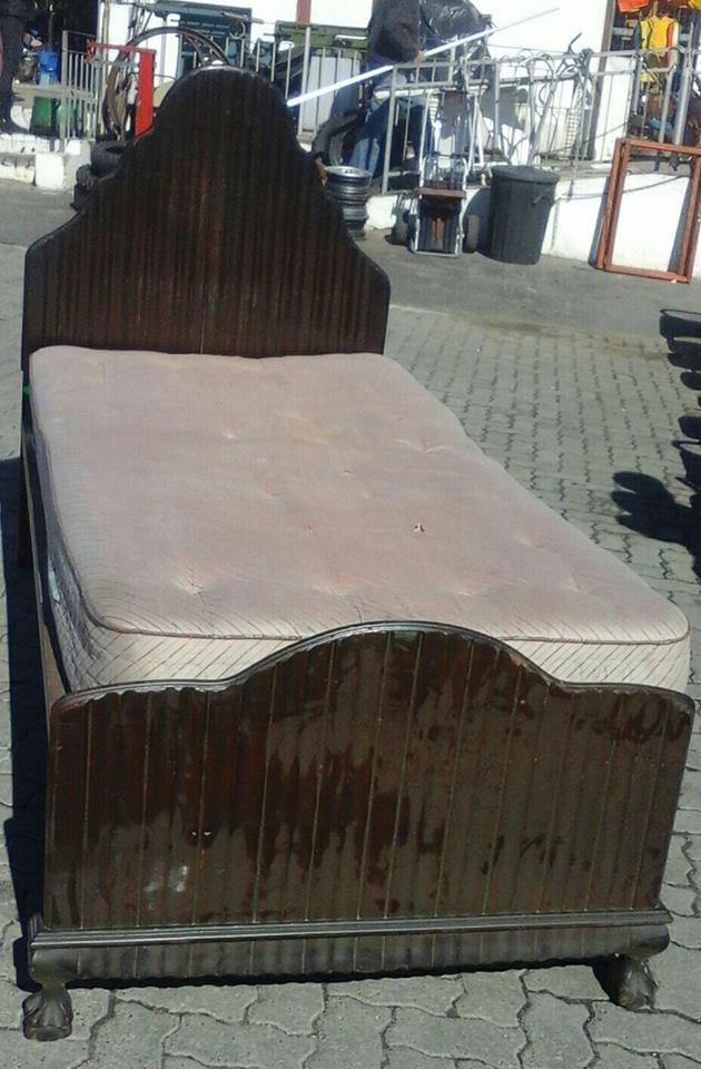 Embui single bed & mattress