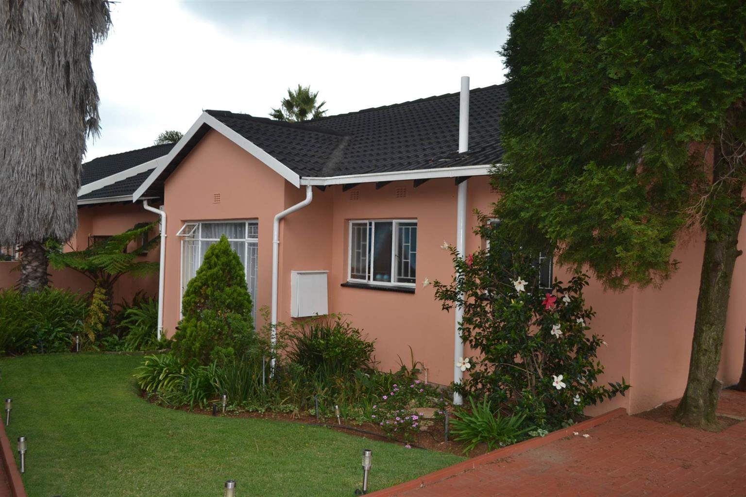 Neat clean house with 4 beds 1 bedroom flat
