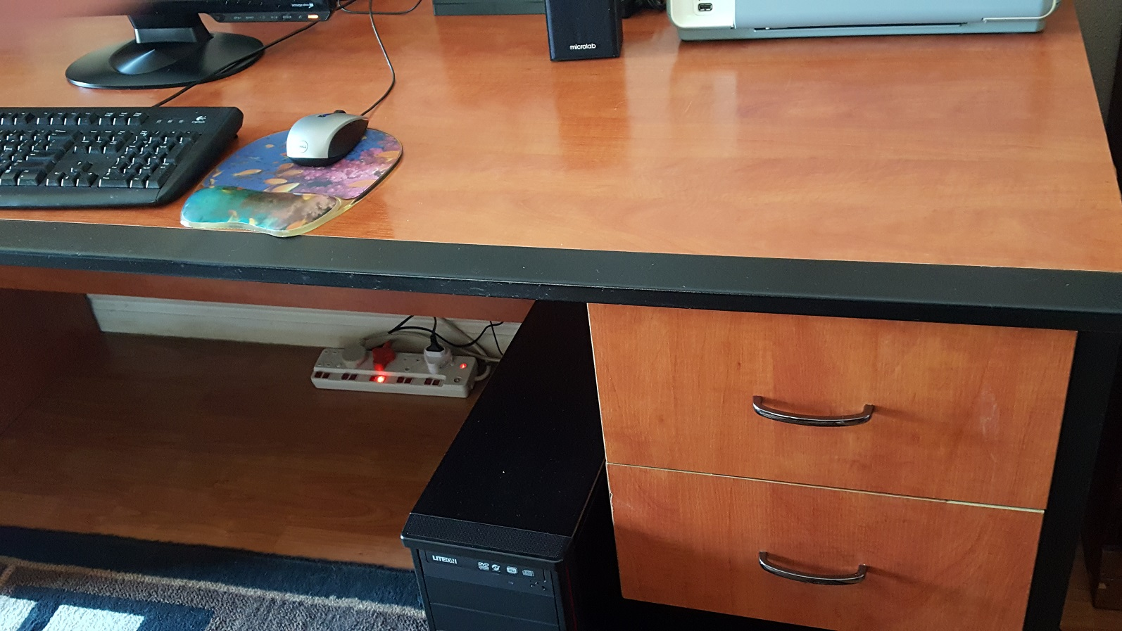 Office / Study Desk for sale