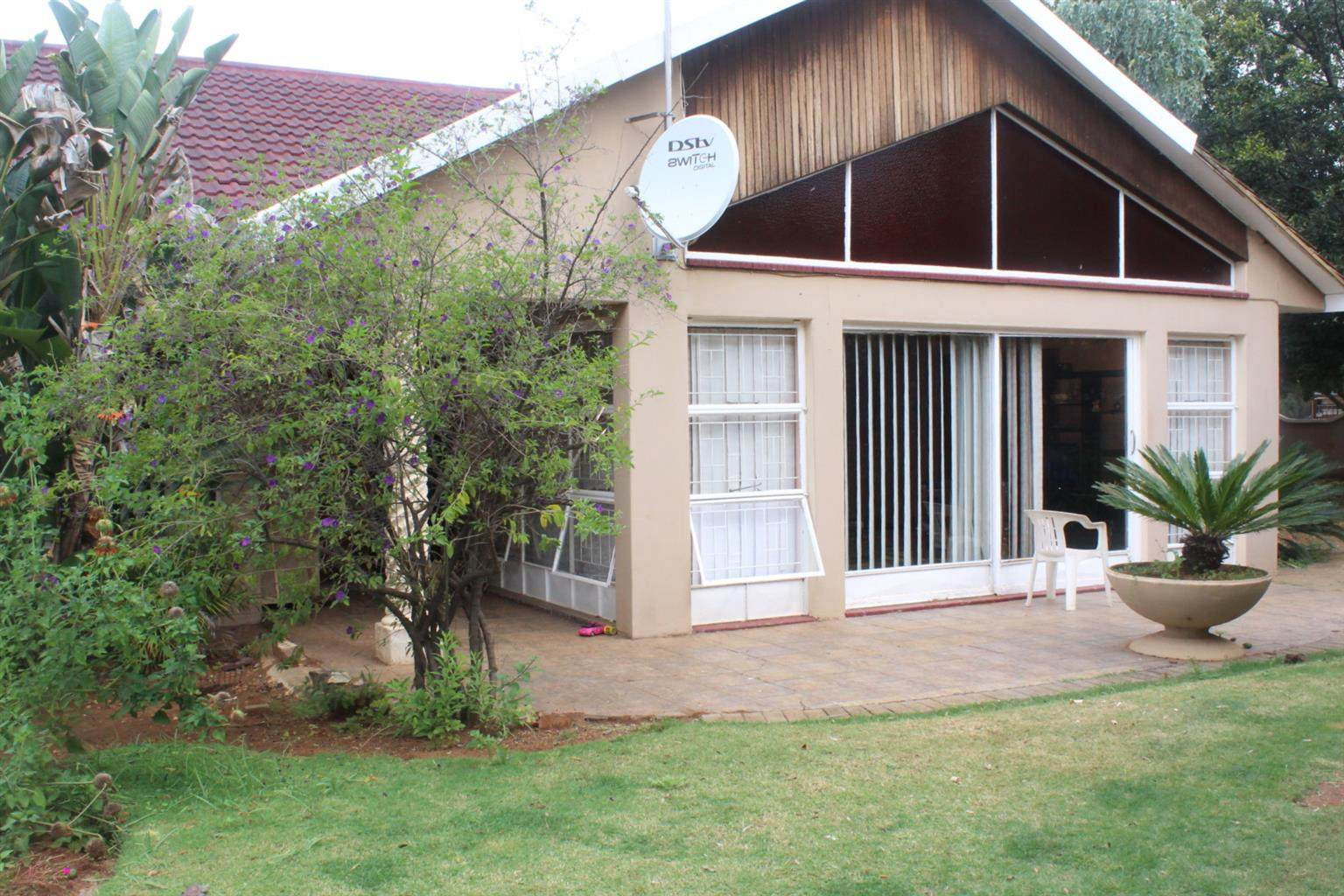 Exquisite home with big, beautiful garden for sale in Sonlandpark