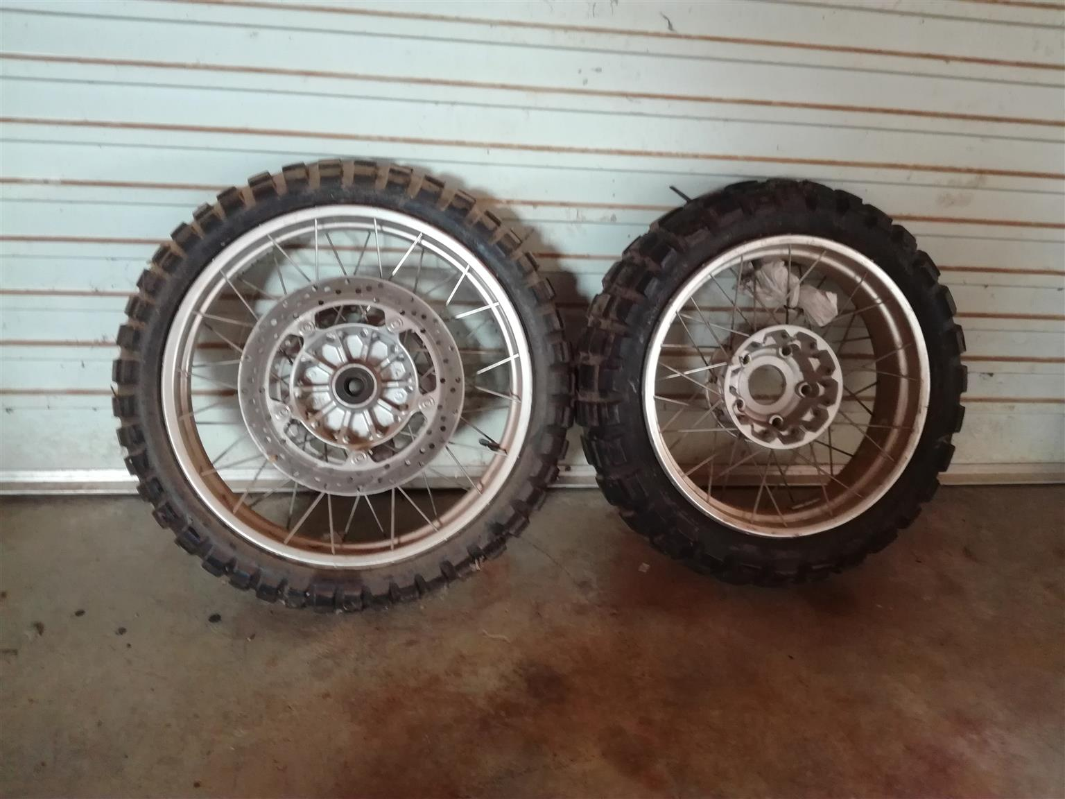 GS 1200 Complete wheels and standard exhaust system