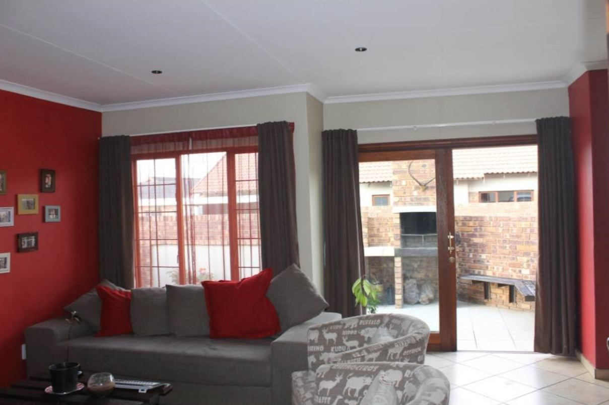 Townhouses in Middelburg | Junk Mail