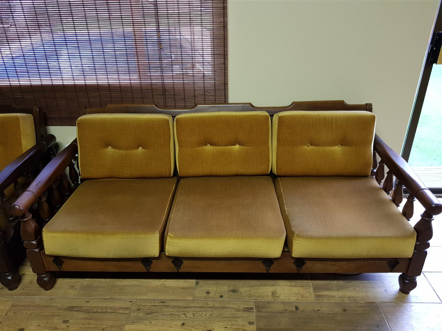 7 seater Imbuia Solid Lounge Suite