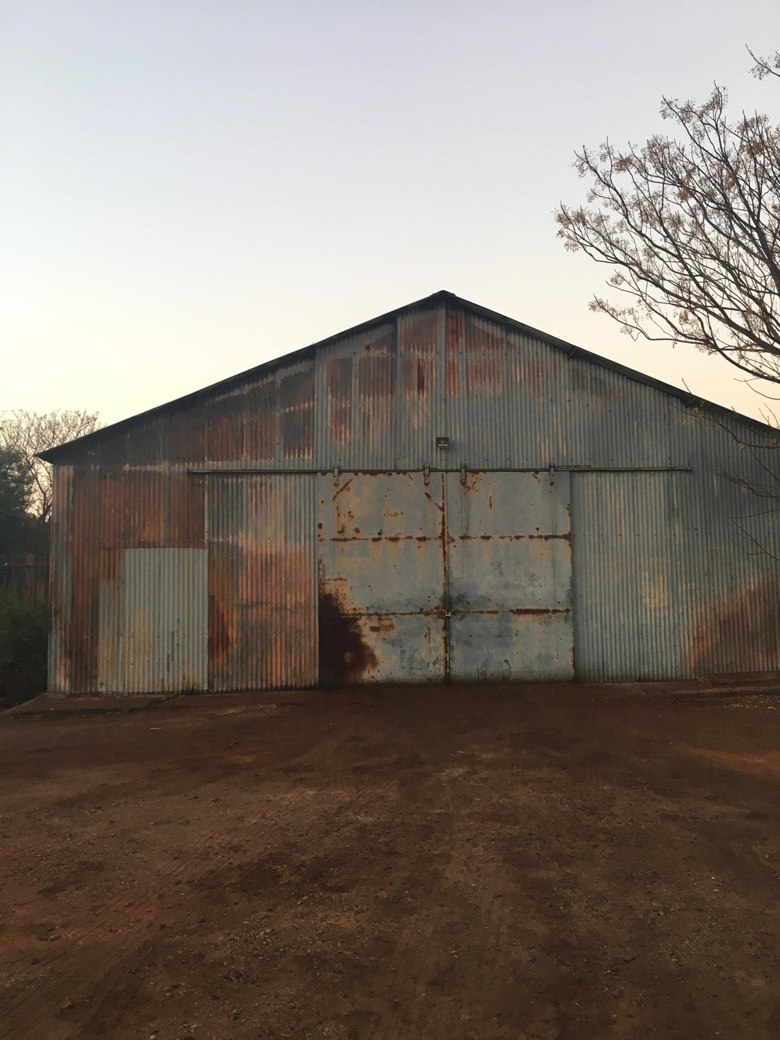Warehouse to rent on farm.