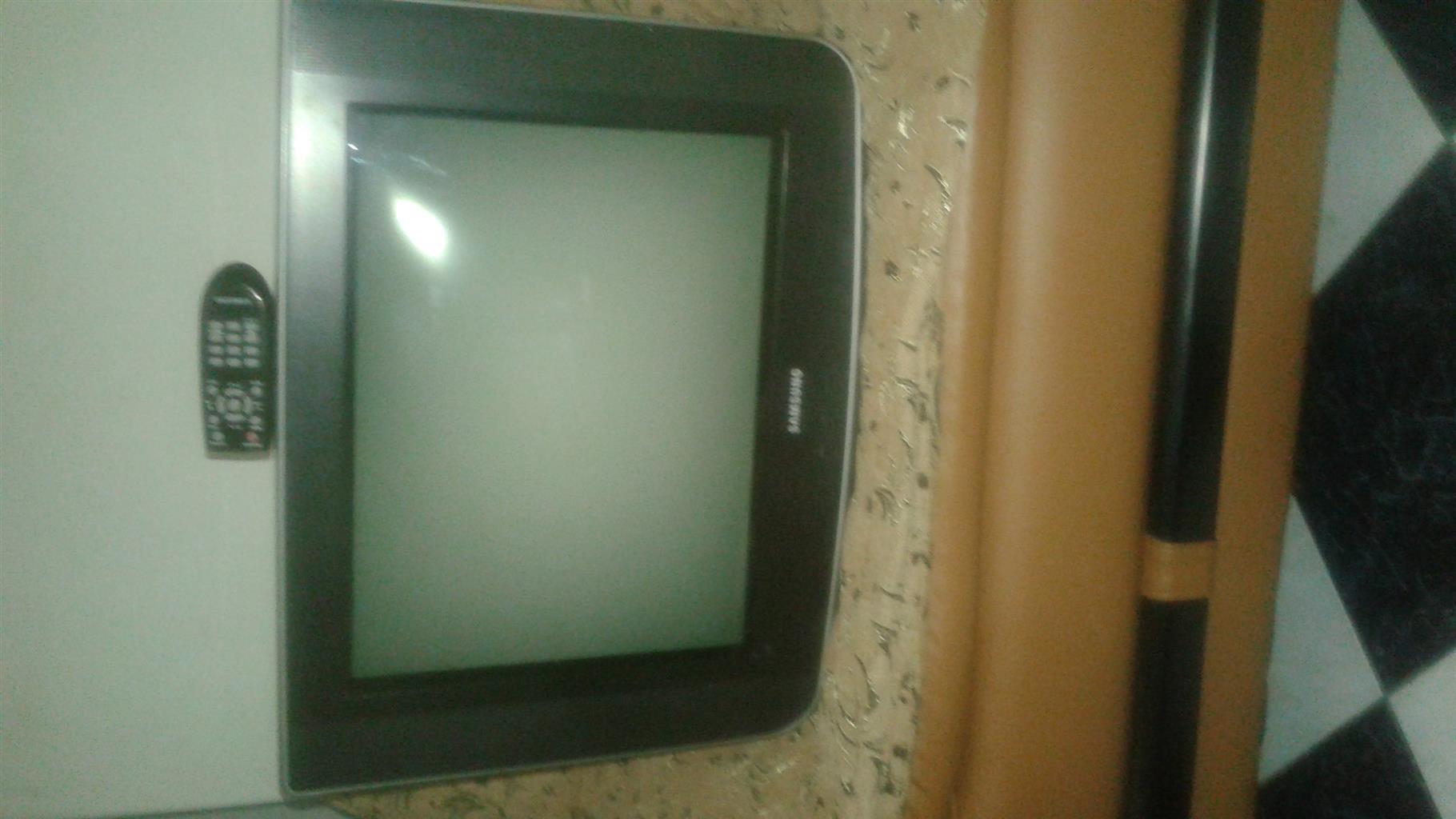 Samsung 54cm Tube Television With Original Remote