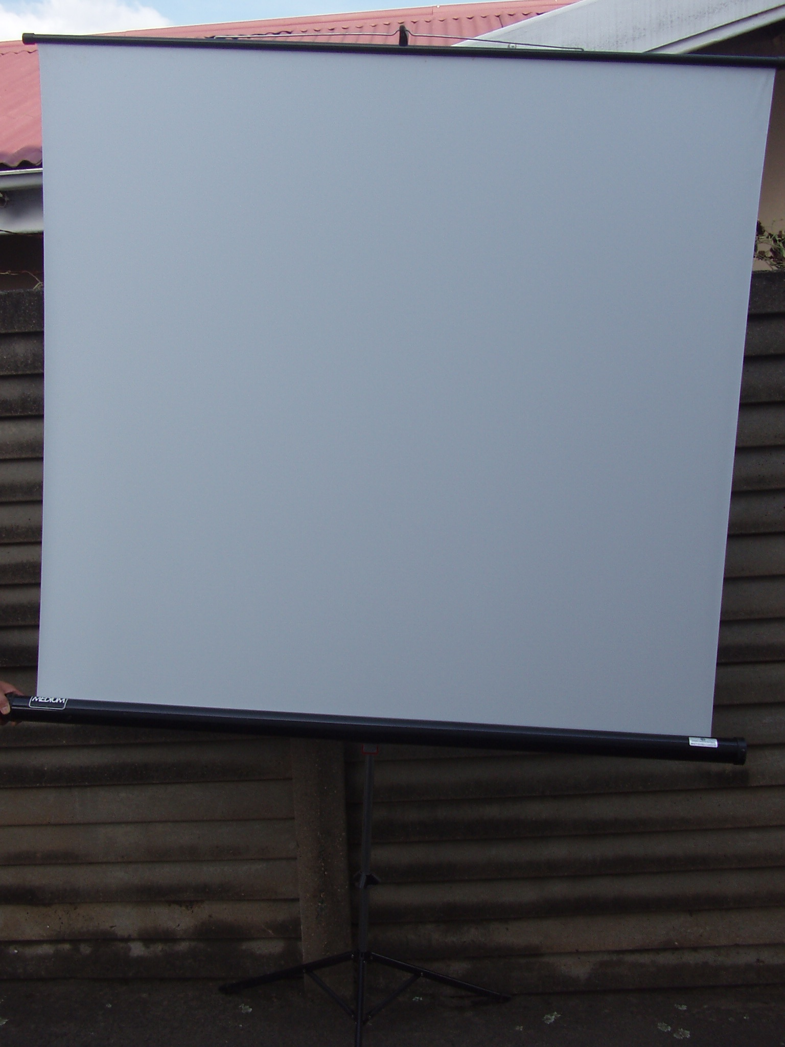 Projector Screen - On Tripod Stand - 1.5m x 1.4m - large screen in excellent condition