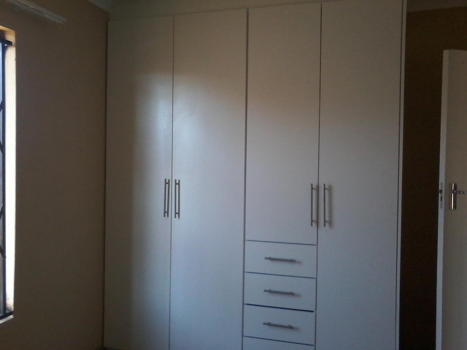 2 bedroom house for rental in Rosslyn Gardens
