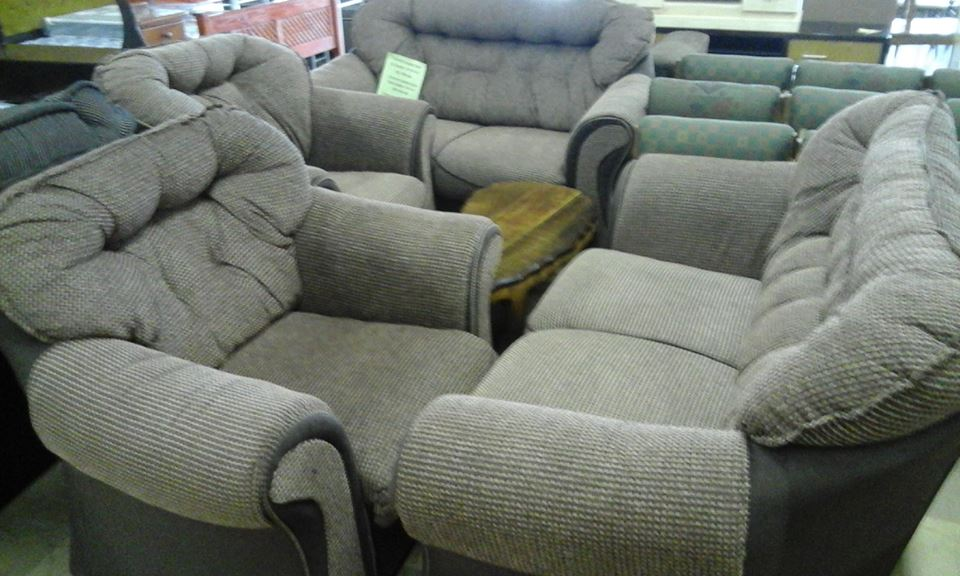 4 Piece light gray lounge suite