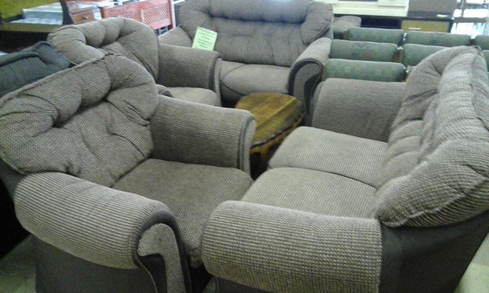 4 Piece light gray lounge suite