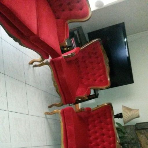 6 seater Antique lounge suite for sale
