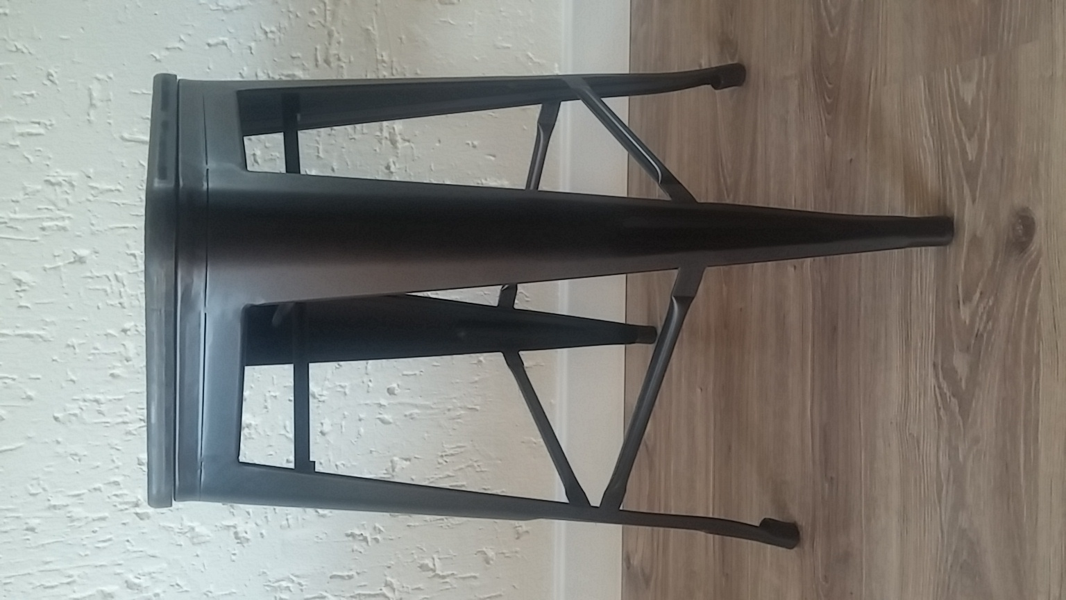 2x Kitchen Stools for Sale (See photos and description)