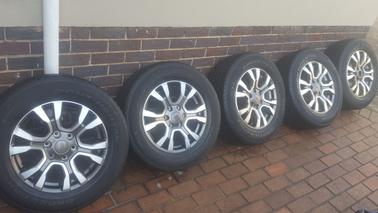 Set of 5 Ford Wildtrak 18 inch Mags with 7.40mm tread Continental Tyres  R12900