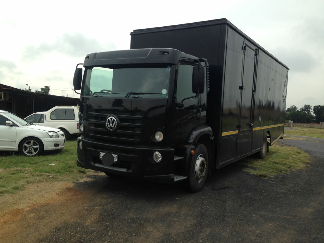 8 Ton Truck to rent