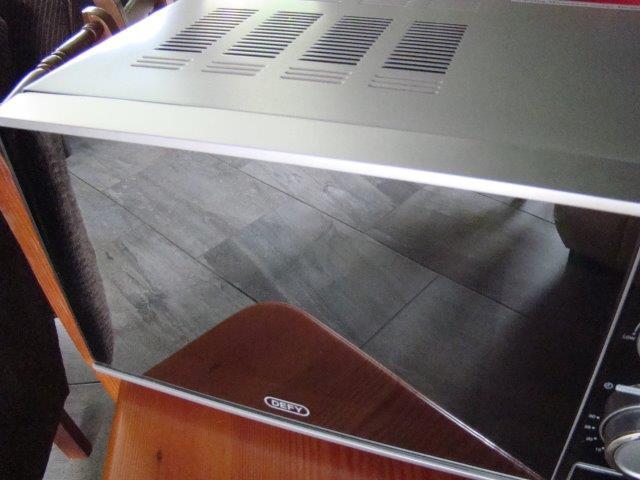 Defy microwave silver