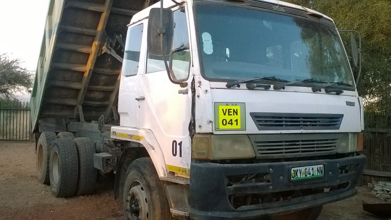 FAW 28/280 10 meter tipper truck for sale with current work.