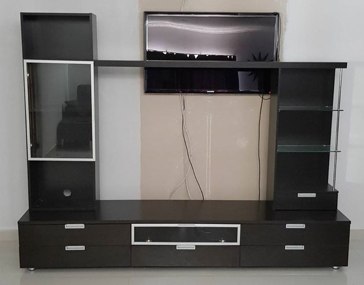 TV WALL UNIT FOR SALE IN PE