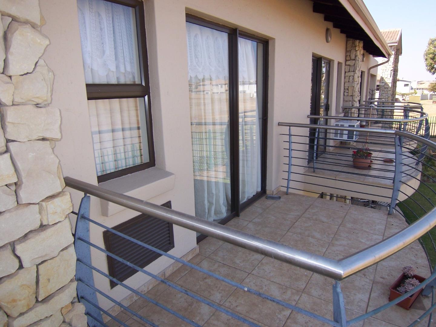 Luxury bachelor's apartment available in Frail care facility! | Junk Mail