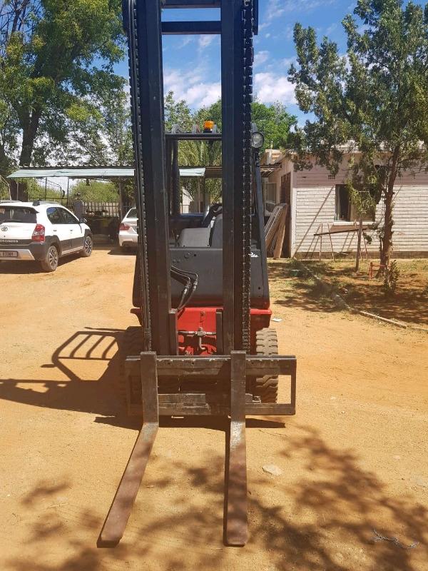 Linde 2.5 Diesel Forklift