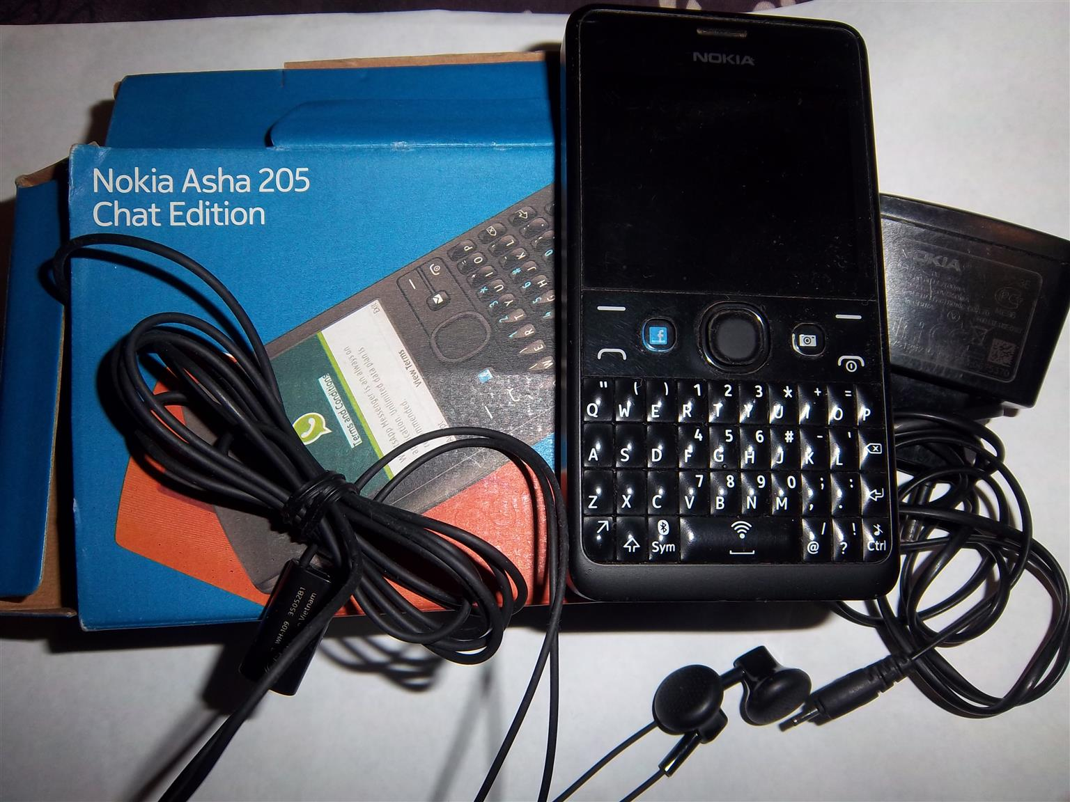NOKIA ASHA 205 CHAT EDITION CELLPHONE