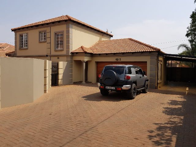 Double storey house in Montana sale!