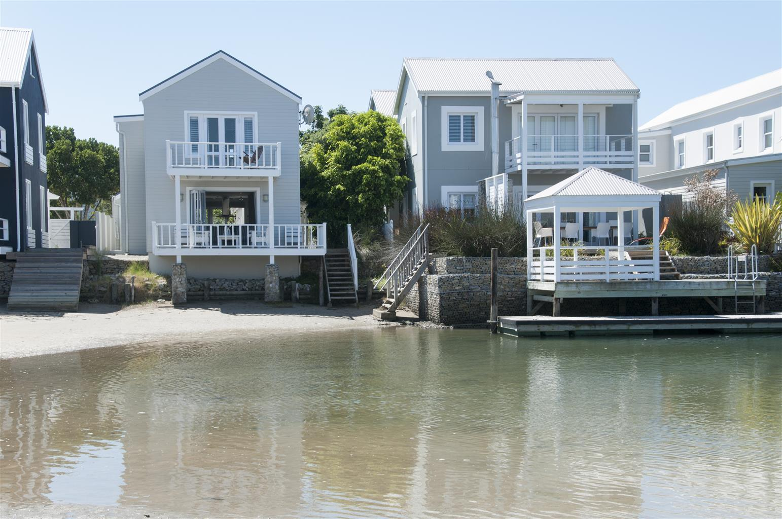 Thesen Island, Knysna, quaint two bedroom beach house