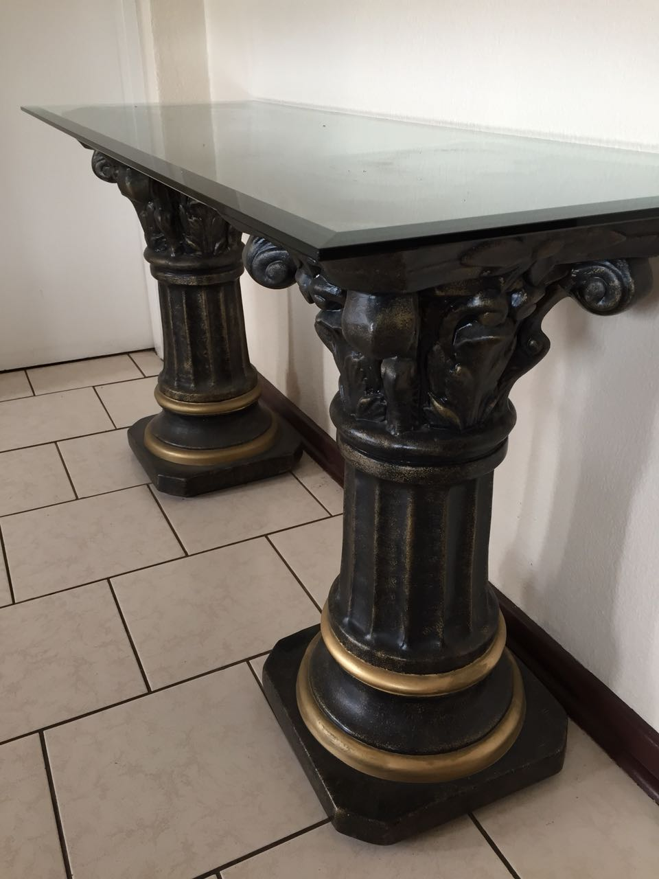 Pillars x 2 with glass top