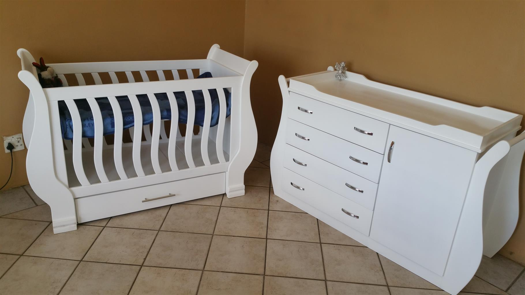 Rosemary Baby Cot and Compactum-R 5499,00