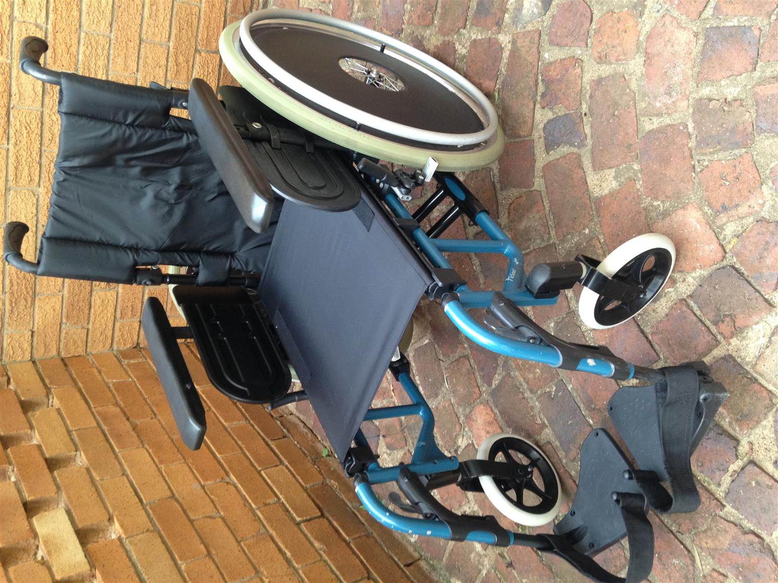 Invacare Action4 aluminium wheelchair