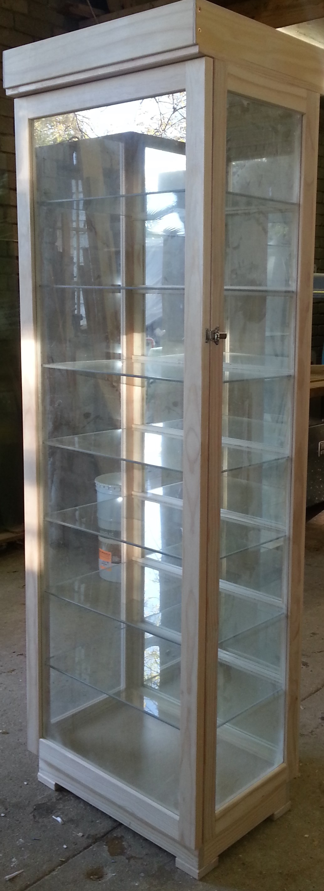 """Vertoon Kas / """"Display Cabinets wit Unrestricted view, Dust Proof !  Quality Custom made"""