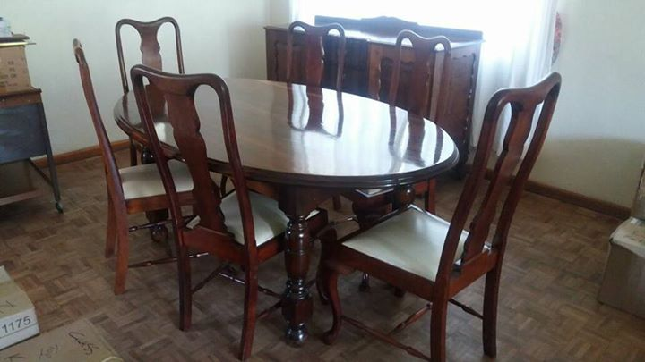 1 X 6 Seater Dining Room Set