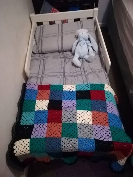 Solid pine toddler bed