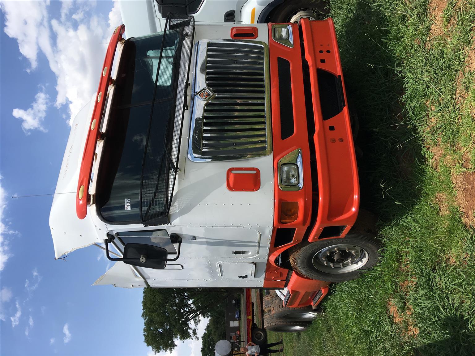 International 9800 double axle