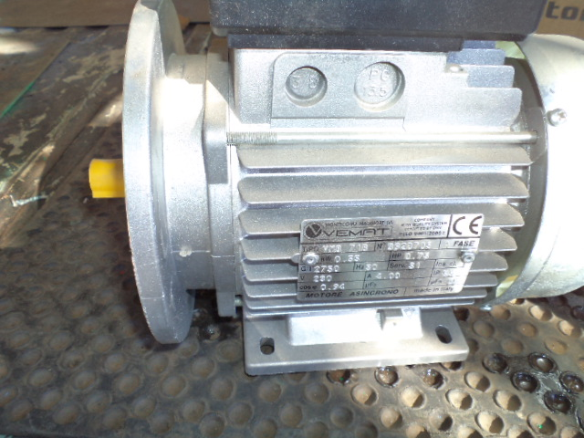 0.75 kw 220 volt electric motor