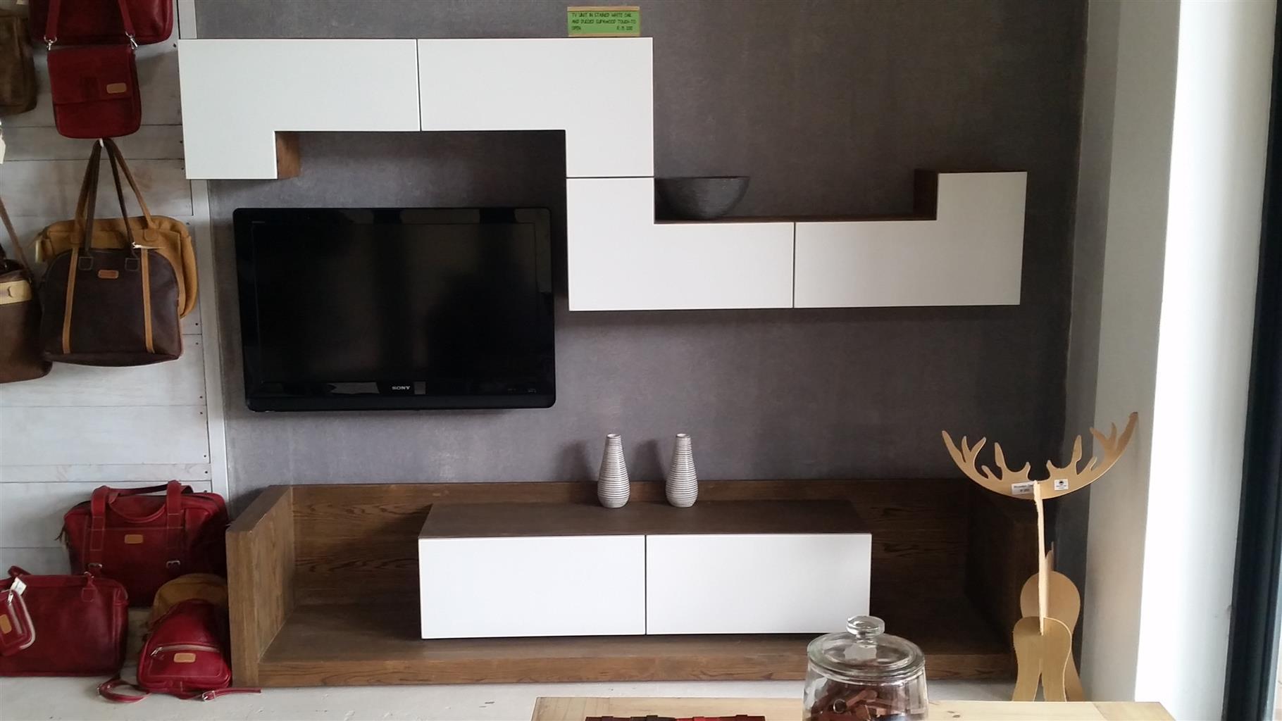 Wall mounted Tv unit | Junk Mail