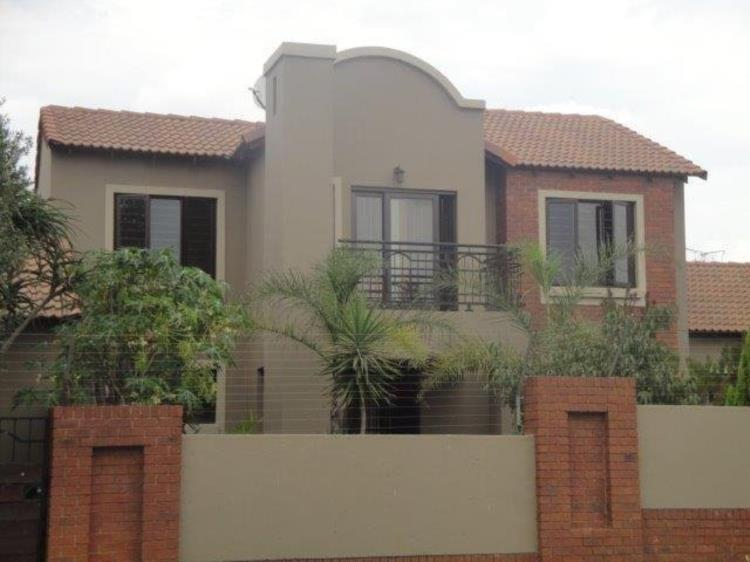 A 3 bedroom home available to let in Eco Park Centurion