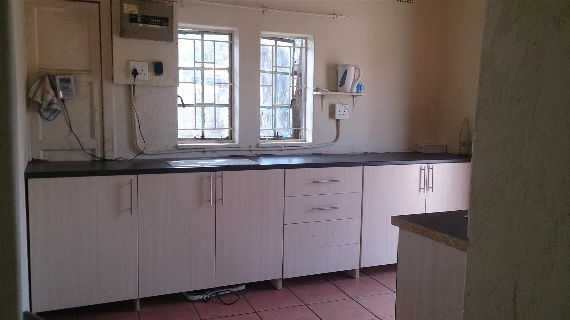 Room to let in Proclamation Hill/Pretoria West
