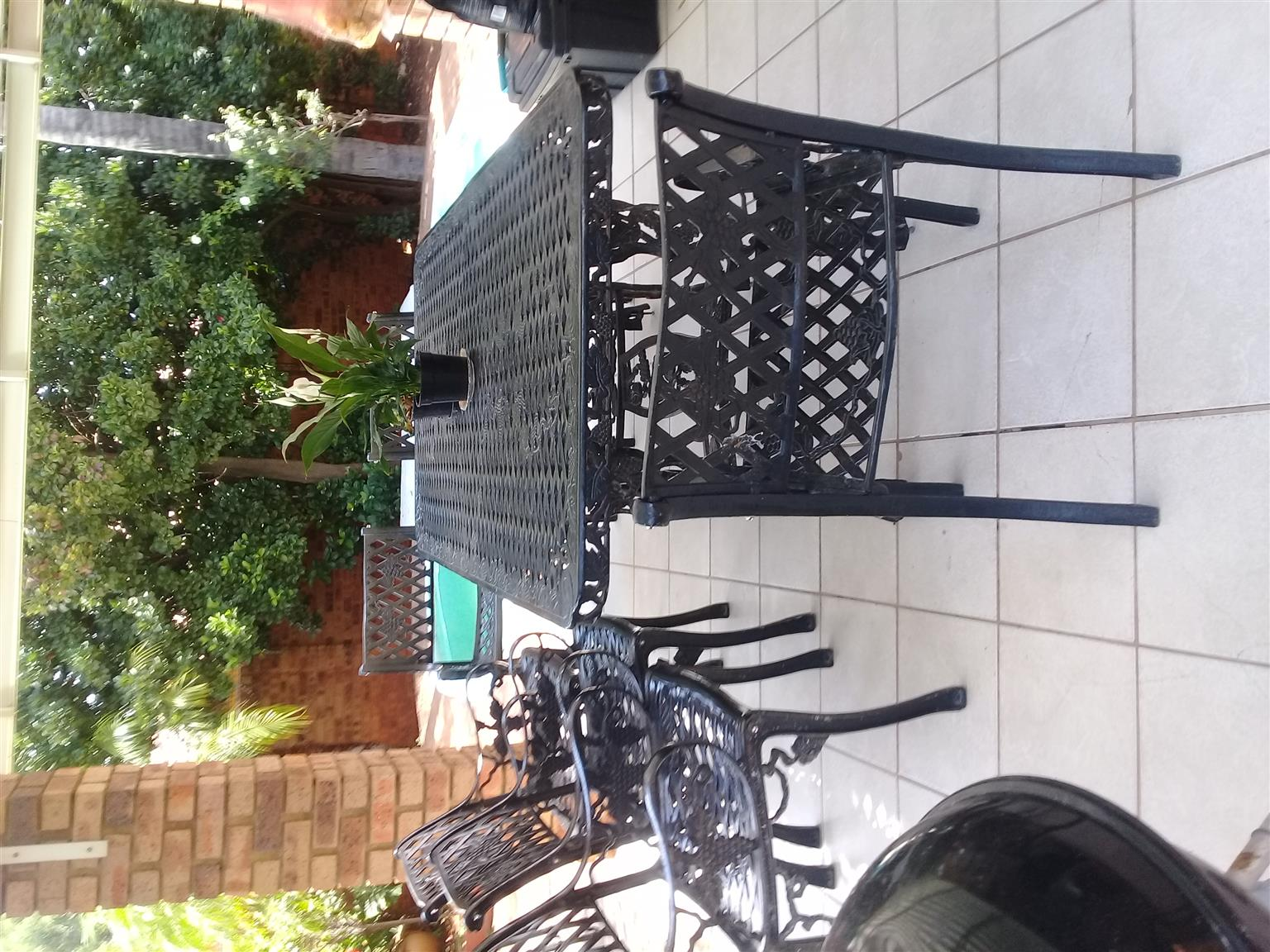Furnished room to let in secure complex