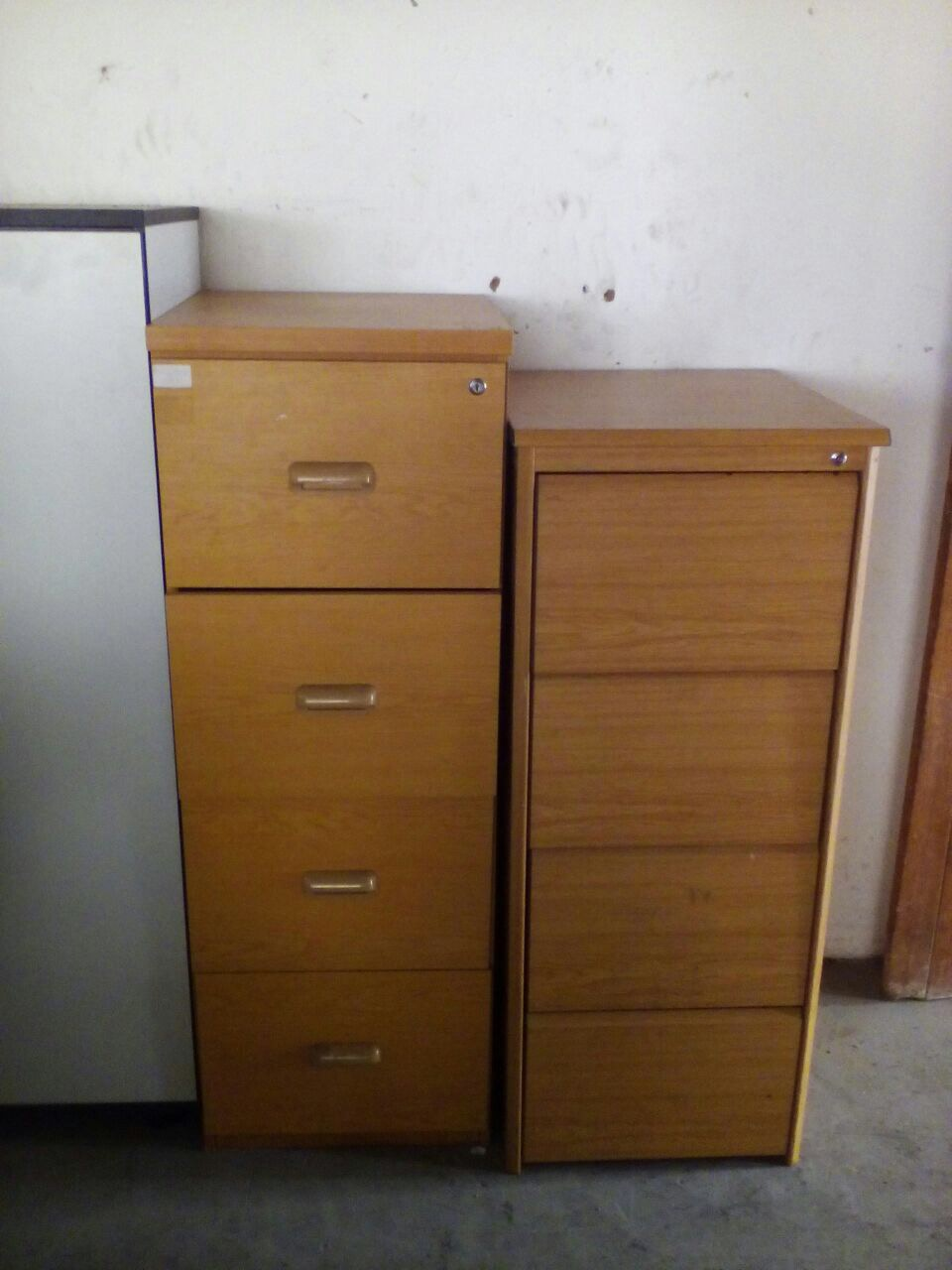 Lockable Office Filing Cabinets With 4 Drawers On